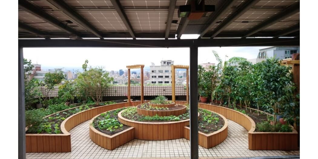 博仲法律事務所13F屋頂菜園+12F露台綠化